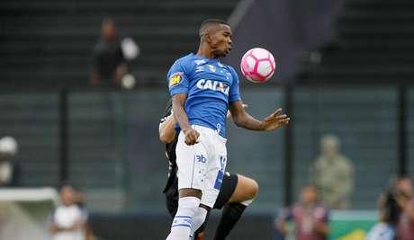 Cacá, jogador do Cruzeiro, durante partida contra o Vasco, válida pela vigésima nona rodada do Campeonato Brasileiro 2018
