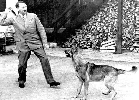 Ao longo dos anos, informações sobre contas ligadas a Hitler surgiram em outros países, como a Suíça