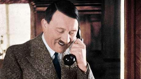 """Uma das razões de Hitler para escrever """"Mein Kampf"""" (""""Minha Luta"""") era usar os royalties do livro para pagar os honorários de seu advogado"""