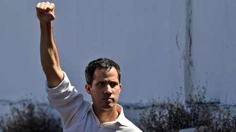 Guaidó, de 35 anos, assumiu a presidência da Assembleia Nacional, o último órgão de Estado sob controle da oposição