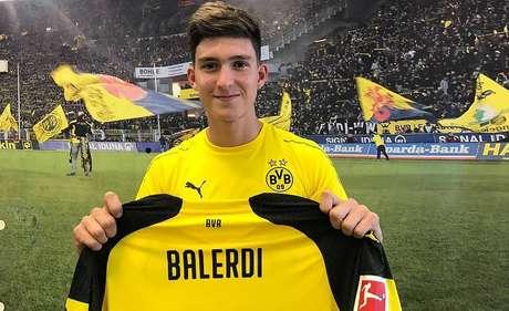 Leonardo Balerdi é anunciado pelo Borussia Dortmund