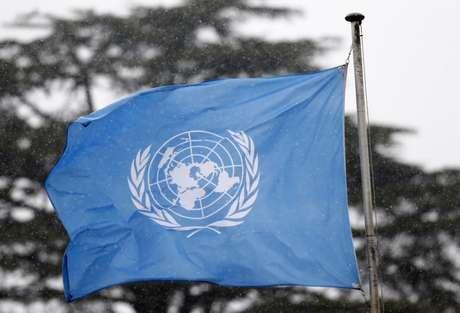 Bandeira da ONU na sede europeia da organização, em Genebra 16/03/2016  REUTERS/Denis Balibouse