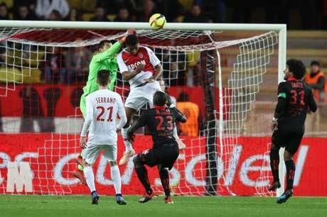 Monaco não conseguiu vencer em casa novamente (Foto: AFP)