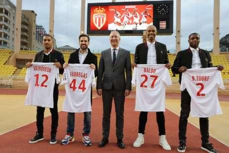 Jogadores são apresentados nesta quarta-feira (Foto: Valery Hache / AFP)