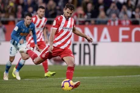 Stuani já marcou 13 gols em 18 jogos nesta temporada (Foto: AFP)