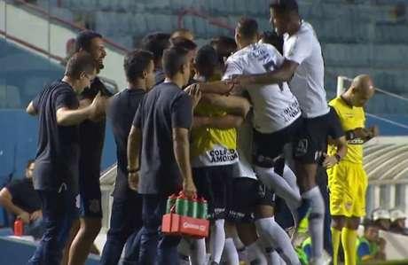 Corinthians goleou o Visão Celeste pelas oitavas de final da Copinha (Foto: Reprodução)