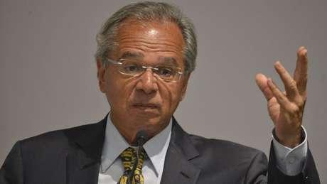 Equipe do ministro da Economia, Paulo Guedes, tem até abril para enviar ao Congresso proposta orçamentária, que inclui previsão de despesas com rubricas vinculadas ao salário mínimo