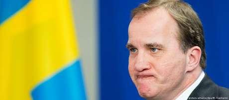 O primeiro-ministro sueco Löfven conseguiu se manter à frente do governo