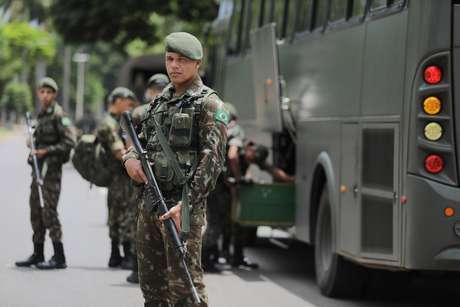 Movimentação de militares na Esplanada dos Ministérios