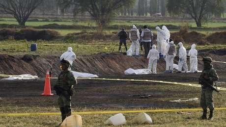 Autoridades mexicanas estão trabalhando para identificar as vítimas da explosão do duto