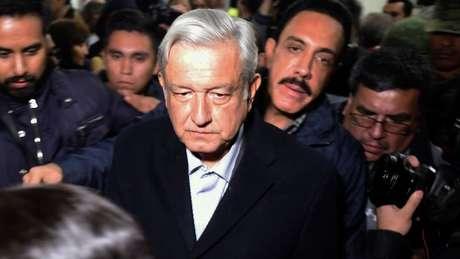 O presidente do México, López Obrador, disse que vai combater os roubos após a explosão