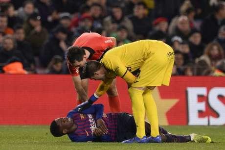Dembélé deixou o campo contra o Leganés para a entrada de Malcom (Foto: Josep Lago / AFP)