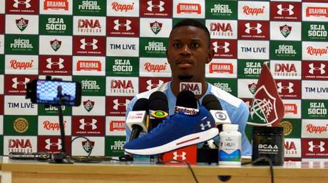 Calazans, durante entrevista coletiva (Foto: MAILSON SANTANA/FLUMINENSE FC.)