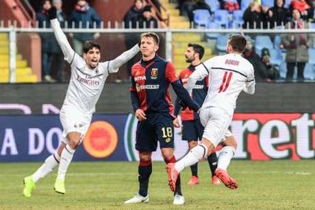 Borini fez o primeiro gol do Milan na partida (Foto: Miguel Medina / AFP)