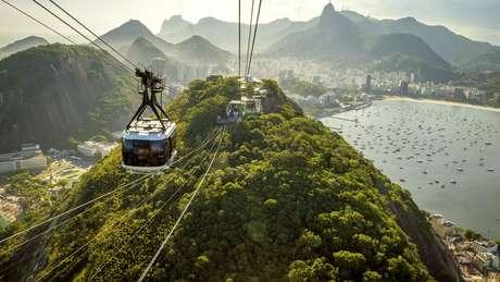 No Rio de Janeiro, o teleférico do Pão de Açúcar é chamado de bondinho; o diminutivo também é usado para batizar favelas como a da Rocinha