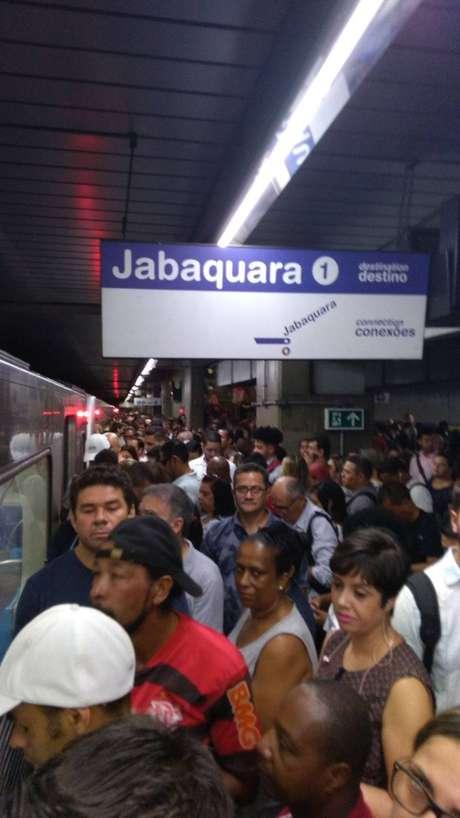 Usuário Ricardo Luiz Santos registrou a lotação na plataforma da estação Jabaquara