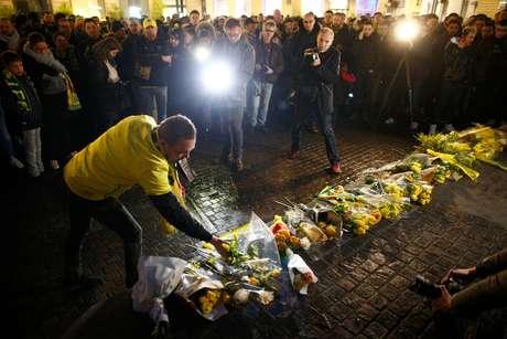 Torcedores do Nantes homenageiam Emiliano Sala