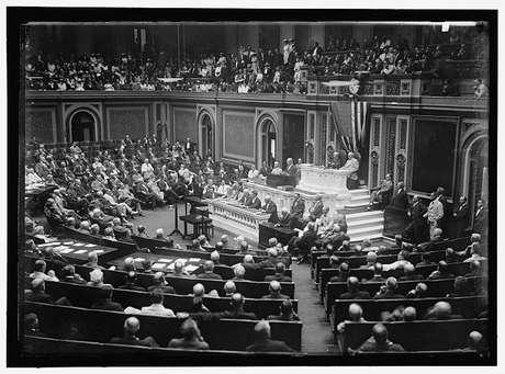 A tradição de apresentar a mensagem em forma de discurso ao Congresso ganhou força em 1913, com o presidente Woodrow Wilson