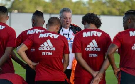 Abel Braga quer preparar elenco para as diversas competições que o Fla terá em 2019 (Alexandre Vidal / Flamengo)