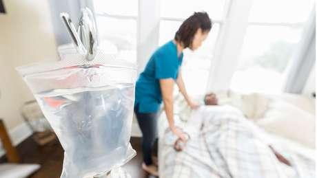A indústria das clínicas de repouso e lar de idosos movimenta bilhões de dólares nos Estados Unidos