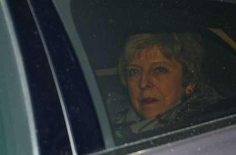 Premiê Theresa May chega ao Parlamento em Londres 28/1/201. REUTERS/Hannah McKay