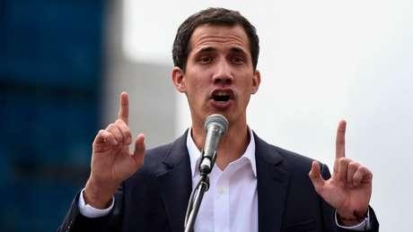O opositor Juan Guaidó se autoproclamou presidente encarregado da Venezuela em 23 de janeiro