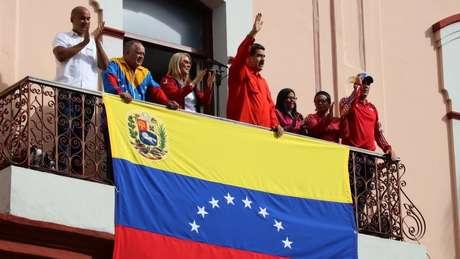Maduro classificou a autoproclamação de Guaidó como uma tentativa de golpe de Estado