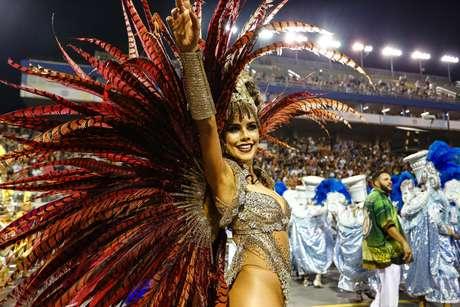 Daniela Albuquerque, destaque da Tucuruvi no desfile de 2018