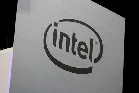 Logotipo da Intel é visto em Los Angeles. 12/06/2018. REUTERS/Mike Blake