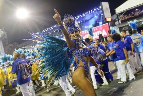 A Miss Bumbum Rosie Oliveira também encantou na passarela