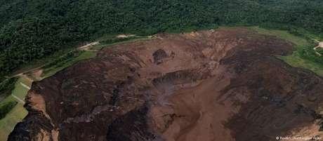 Vista aérea da barragem de Brumadinho depois da tragédia
