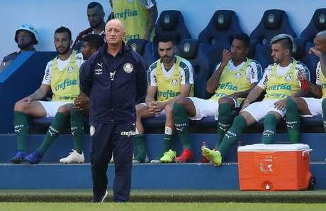 Weverton, Dracena, Thiago Santos, Antônio Carlos, Victor Luis e Deyverson: todos podem jogar (Foto: Cesar Greco)