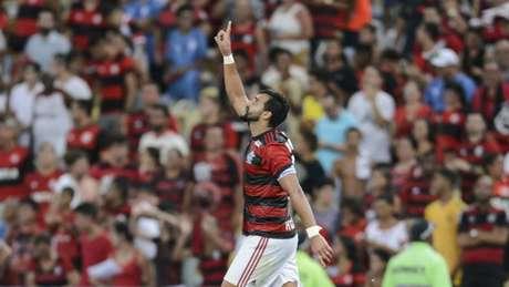 Dourado marcou o primeiro gol do Flamengo na partida Celso Pupo/Fotoarena