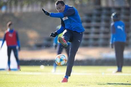 Damião treinando com o novo time (Foto: Divulgaçaõ)