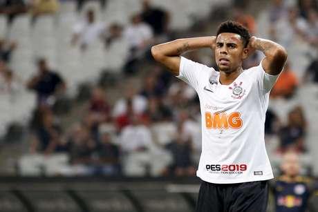 Gustavo do Corinthians lamenta gol perdido durante o jogo entre Corinthians e Red Bull Brasil realizado na Arena Corinthians, Zona Leste de São Paulo. A partida é válida pela 4ª rodada do Paulistão 2019.