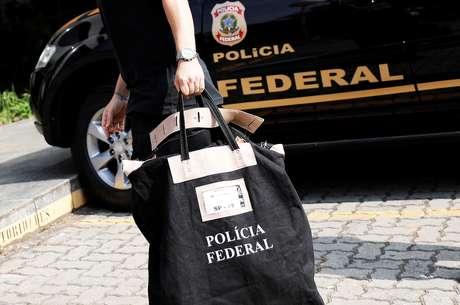 Agente da Polícia Federal durante operação em São Paulo 04/07/2018 REUTERS/Nacho Doce
