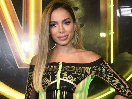 Anitta avalia papo de 'BBBs' sobre seus ex-namorados: 'Bofe pego pra ser feliz'