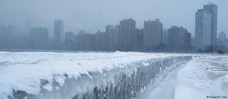 Gelo no lago Michigan, em Chicago