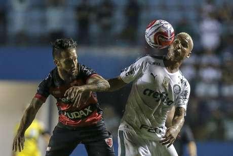 Deyverson, do Palmeiras, durante partida contra o Oeste válida pela 4ª rodada do Campeonato Paulista 2019, na Arena Barueri, em Barueri, na Grande São Paulo, na noite desta quarta-feira (30).