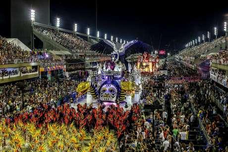 Catorze participantes disputam o título do grupo especial carioca
