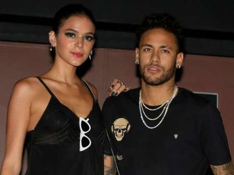 Bruna Marquezine excluiu todos os 'parças' de Neymar da sua conta no Instagram
