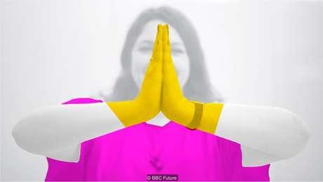 Unindo as palmas das mãos não é necessariamente associado à oração, embora no Ocidente o símbolo carregue importância religiosa