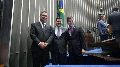 Randolfe Rodrigues (Rede-AP, esq.) depois de declarar voto em Davi Alcolumbre