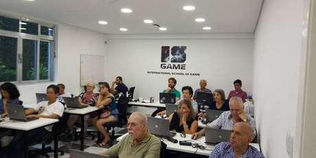 Todo semestre, o ISGAME oferece oficinas de programação gratuitamente para pessoas com mais de 60 anos.