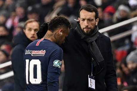 Neymar não joga as oitavas da Champions (Foto: AFP)