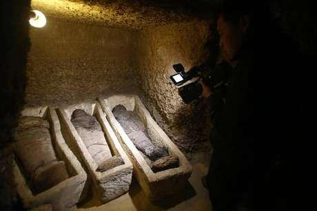 Egito anuncia descobrimento de tumba com 40 múmias