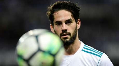 Solari tem deixado Isco na banco de reservas do Real Madrid (Foto: AFP)
