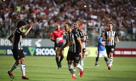 O Galo de Luan e Ricardo Oliveira inicia a luta por uma vaga na fase de grupos da competição sul-americana- Divulgação Twitter