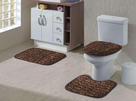 44- O tapete para banheiro deve ser de fácil manutenção e secagem rápida. Fonte: Eu amo Decoração