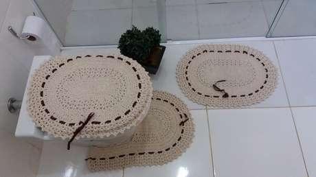 53- O tapete de crochê para banheiro é a peça mais utilizada nas casas em geral. Fonte: Mercado Livre